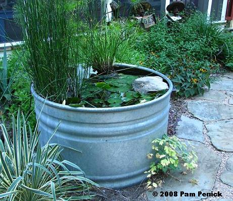 how to make drainage holes in water reservoir planters