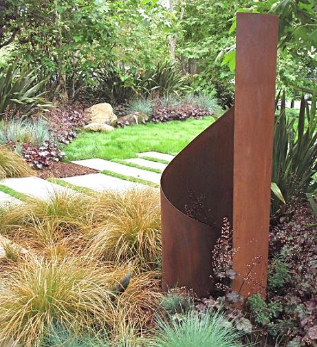 At last! Contemporary garden sculpture | Digging
