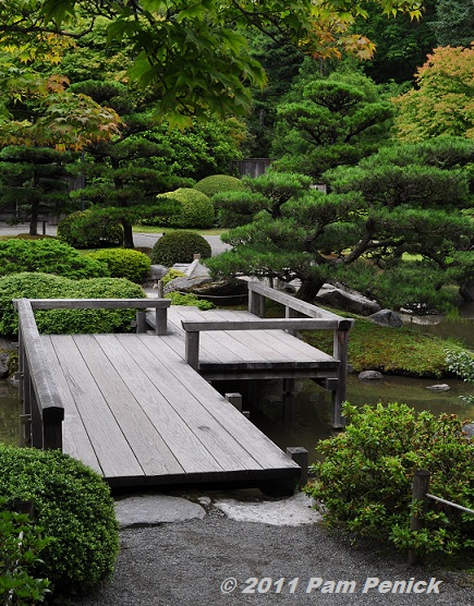 Japanese garden wood bridges inspiration for Japanese decking garden