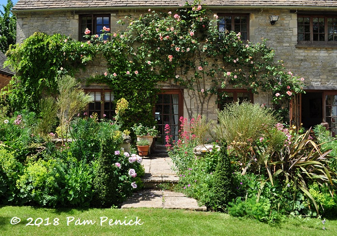 Cotswolds country charm at Victoria Summerley\'s Awkward Hill Cottage ...