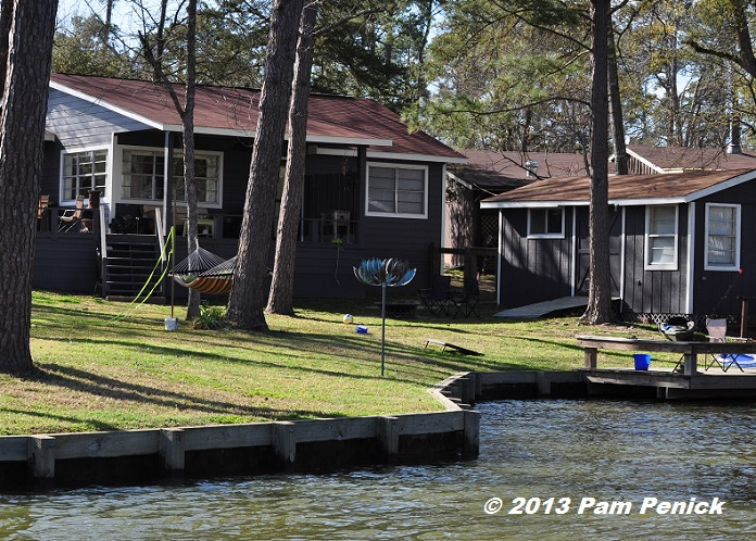 Superb Located On The Kickapoo Creek Side Of Lake Livingston, About An Houru0027s  Drive North Of Houston, Their Weekend Getaway Is A Light Filled Cottage  With A ...