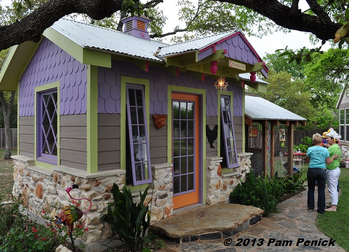 Whimsical Westview Road Garden On Austinu0027s Funky Chicken Coop Tour