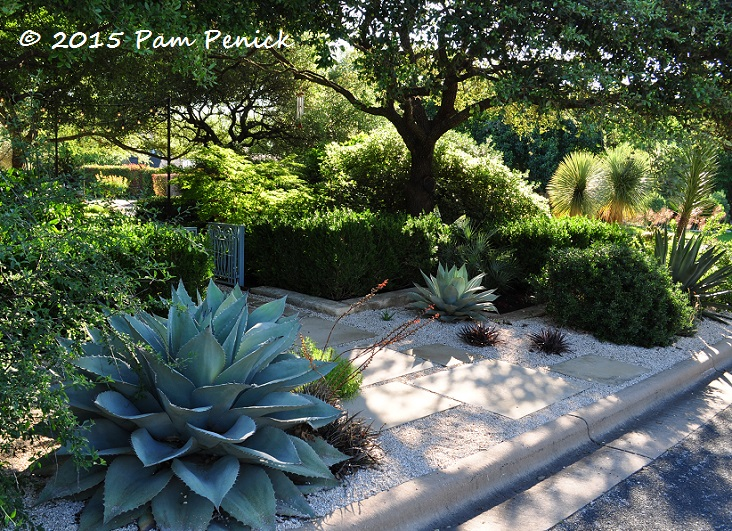 Garden Design Around Fountain