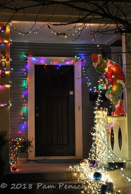 Grinch Stealing Christmas Lights.Joy To The Weird Austin S 37th And 35th Street Christmas